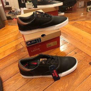 Men's Levi's shoes